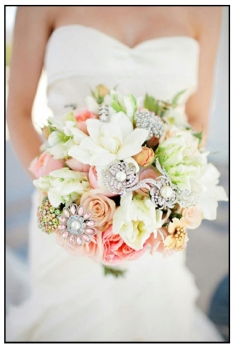 bouquets_1-2-white-with-stones, white bouquet, rose, wedding, bridal bouquet, flowers, wedding flowers. eventandpartyideas.com